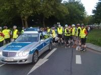 BNS - ganz vorn das Polizei-Fahrzeug