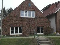 Haus im Osterschmuck