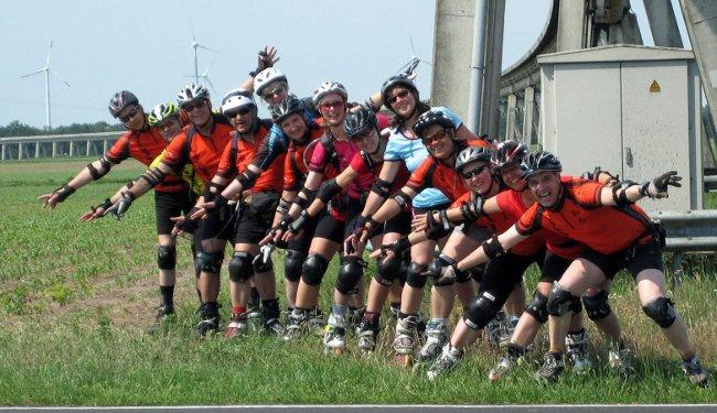Das Speedteam 2011 an der Magnetschwebebahn-Versuchsstrecke im Emsland
